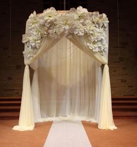 Ceremony-Altar-Flower-Ideas