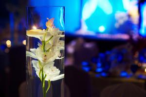 DIY-Floating-Flowers-Centerpiece-Ideas