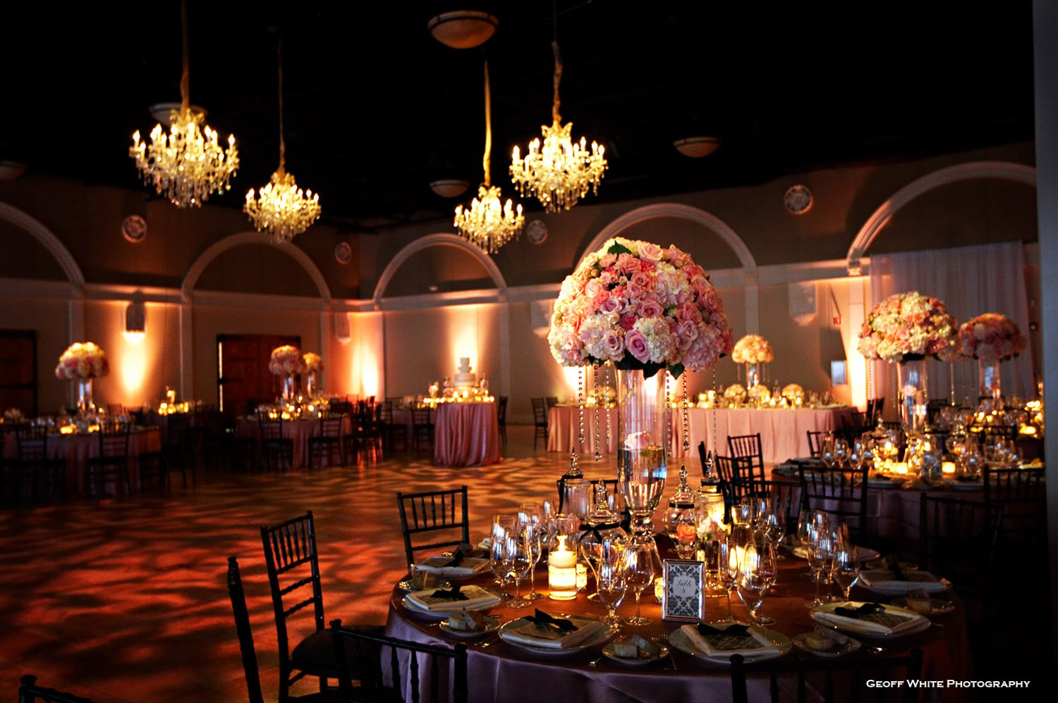 Outdoor Wedding Lighting Ideas From Real Celebrations: Banquet Hall Decoration Ideas